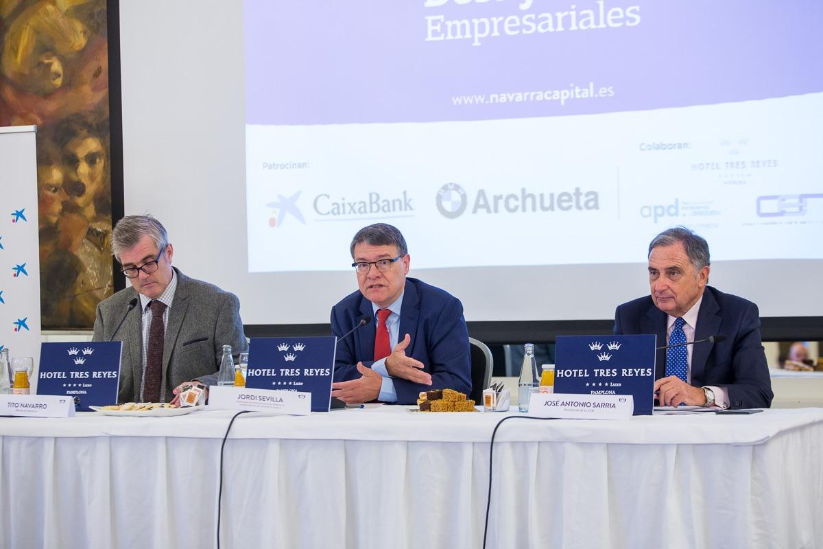 Momento de la intervencióin de Jordi Sevilla en los 'Desayunos Empresariales' de NavarraCapital.es