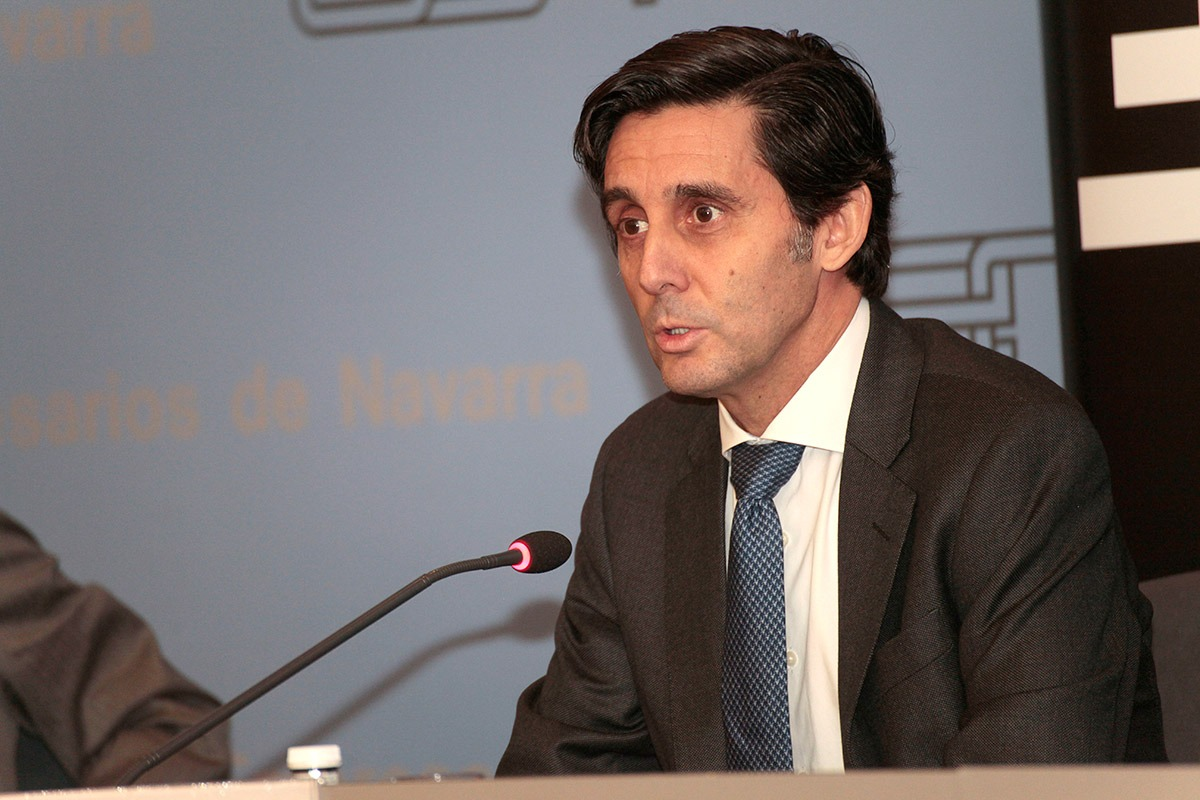 José María Álvarez-Pallete en un momento de su intervención en la sede de la CEN (FOTO: Javier Ripalda).