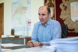 Manu Ayerdi, vicepresidente de Desarrollo Económico, ha hecho este mediodía un balance del trabajo realizado hasta ahora por su departamento. (FOTO: Víctor Rodrigo).