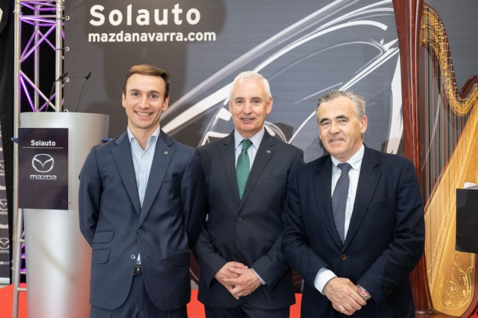 Pablo Luque, Javier Sola y Patxi Esparza, durante la presentación. (FOTO: Víctor Rodrigo).