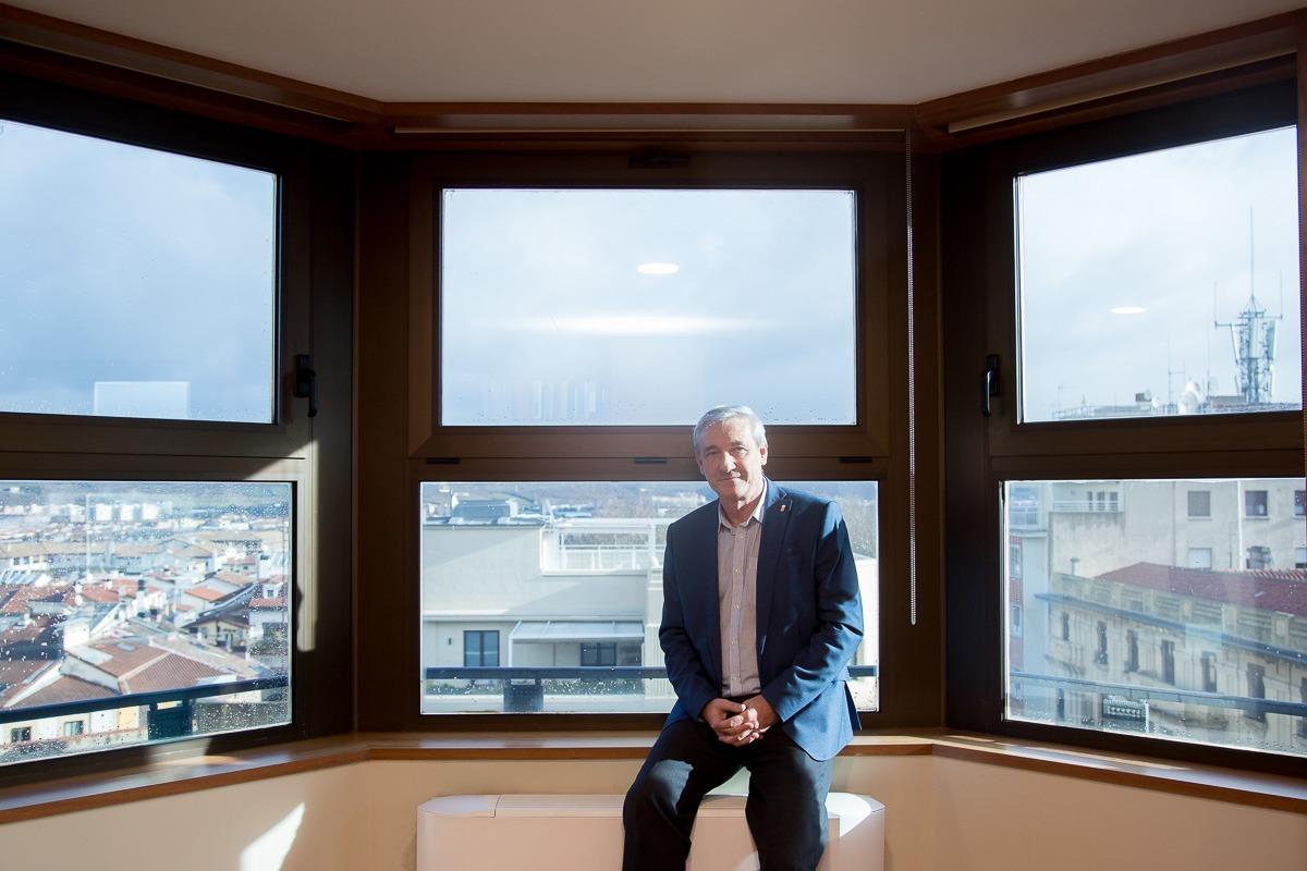 Mikel Aramburu, fotografiado en su despacho. (FOTOS: Ana Osés).