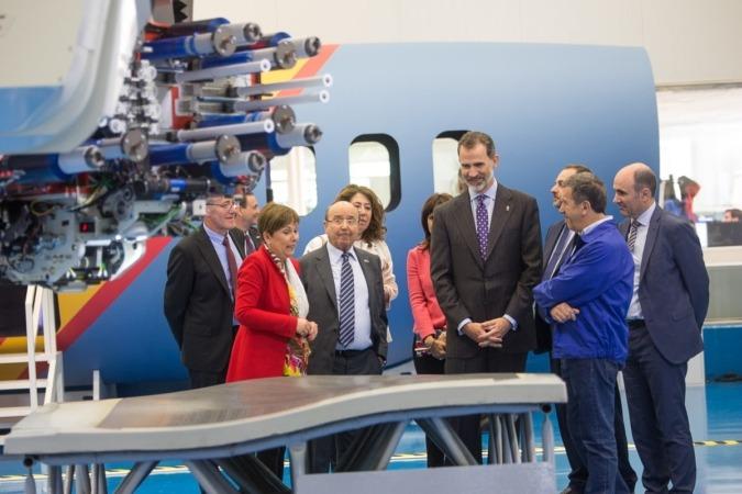 Un momento de la visita de Felipe VI a MTorres. (FOTOS: Víctor Rodrígo)