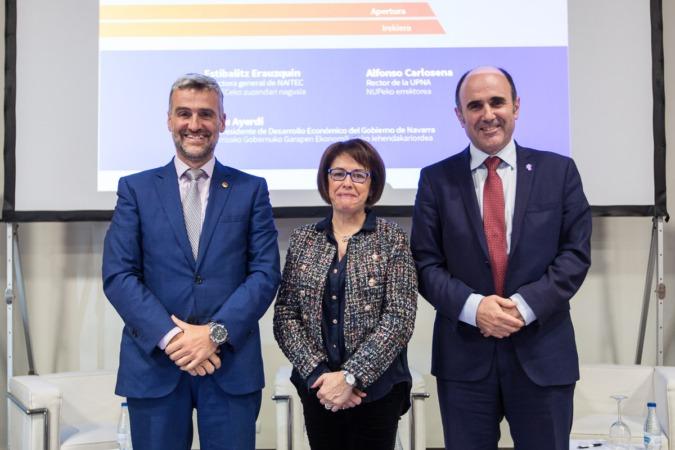 Presentación de NAITEC. De Izda a Dcha: Alfonso Carlosena (UPNA), Estibalitz Erauzquin (NAITEC), Manu Ayerdi (Gobierno de Navarra) (FOTO: Víctor Rodrígo)