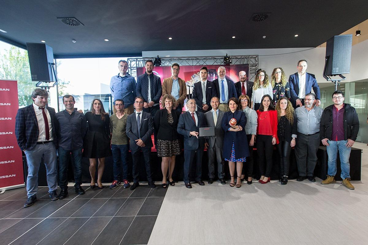 Foto de familia de los empleados de Unsain Motor de Tudela. (FOTO: Víctor Rodrígo)