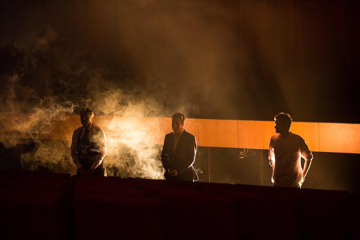 Carlos Rodríguez, David Yárnoz y Nacho Gómara en el Espectáculo de la Gastronomía de Baluarte. (FOTOS: Víctor Rodrigo)