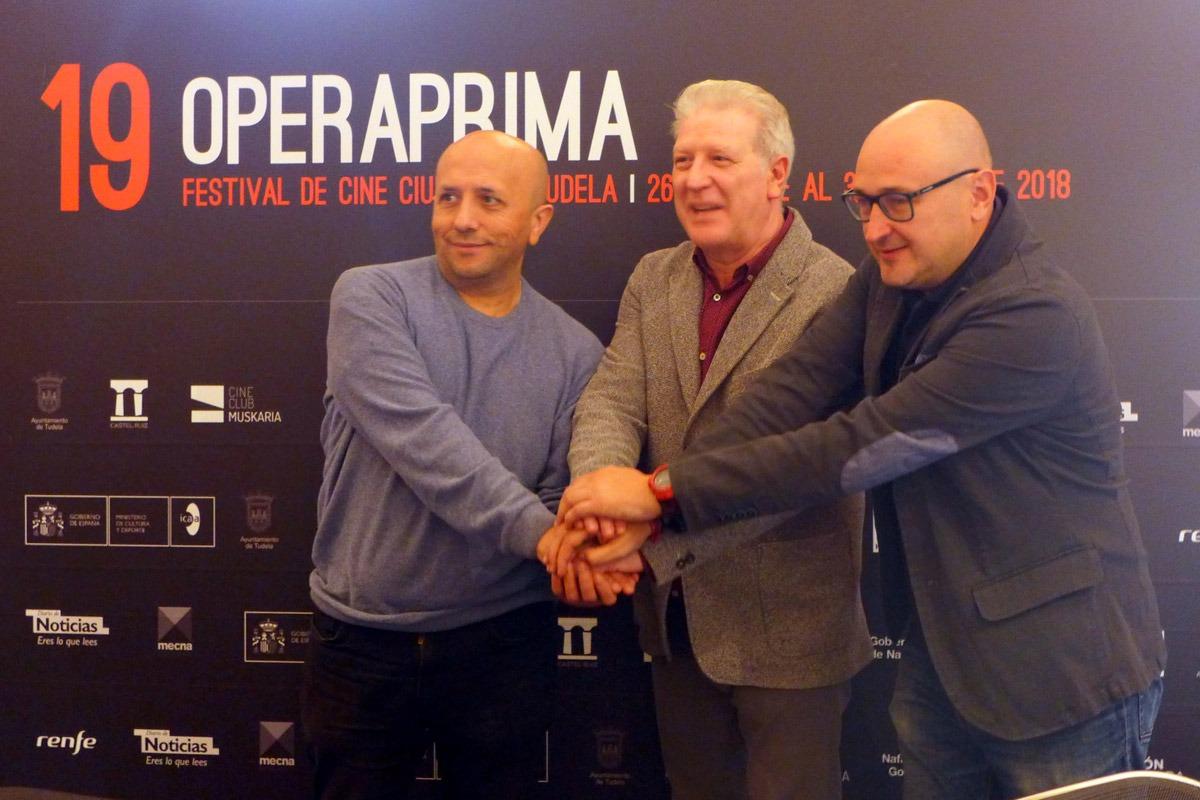 De izq. a dcha. Luis Alegre, Javier Gómez Vidal y Julio Mazarico en la presentación de Ópera Prima.