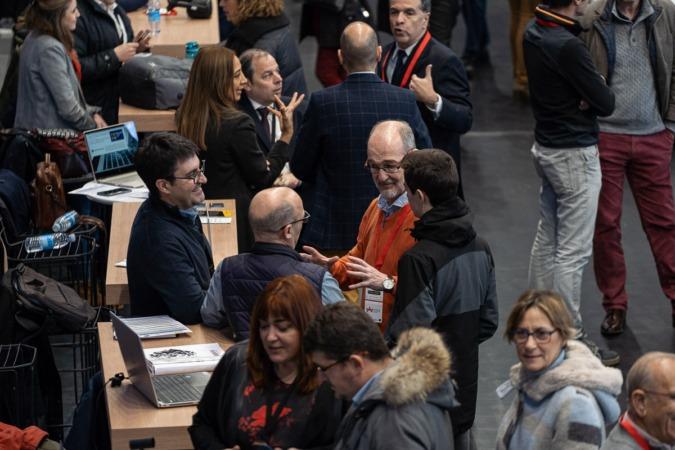 El área de 'networking' congregó a cientos de personas, que analizaron las últimas novedades tecnológicas para empresas.