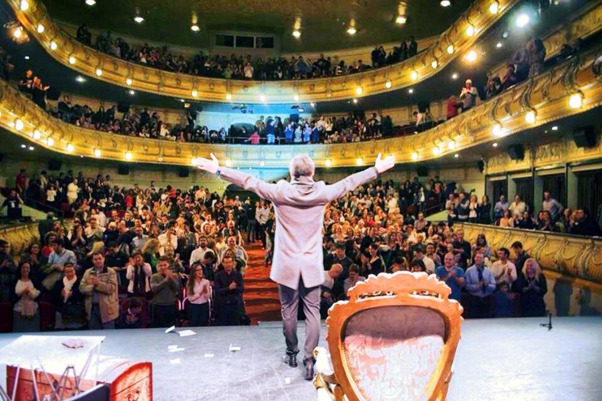 teatro-toni-bright