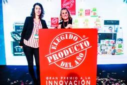 Sandra Jiménez, técnica de Marketing de Vegetales Línea Verde; y Rebeca Bellete, comercial de la zona Norte, durante la gala de entrega de premios.