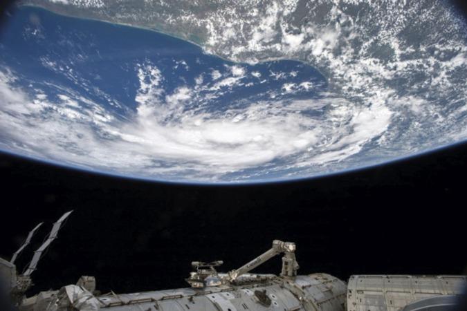 Salir de la órbita rumbo al universo, al más puro estilo Julio Verne, es una opción del 'nuevo turismo'.