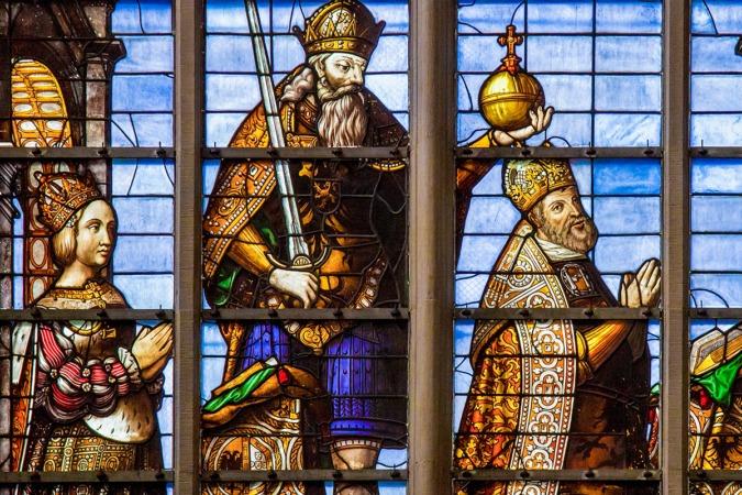 "Carlos V, ""El César"" viajero incansable, reinó junto a Isabel de Portugal."
