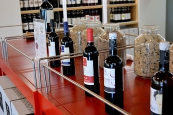vino-Bodegas-Ochoa-Olite-tinto