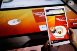 `Virtuchef' cambia la experiecia del cliente en un restaurante mediante la tecnología.