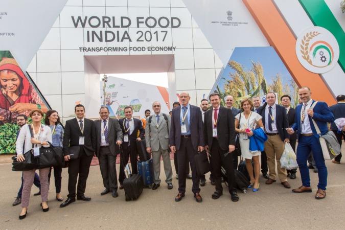 La delegación de Empresas Agroalimentarias de Navarra, junto a Miren Ausín, ICEX, CNTA e Indversis. (FOTOS: Víctor Rodrigo)
