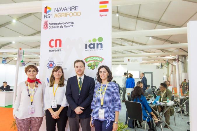 Miren Ausín, directora del PIN; Regina Sacha y José Pérez, consejeros de la Oficina Comercial en India; y Estela Cerdán, técnico del PIN. (FOTOS: Víctor Rodrigo)
