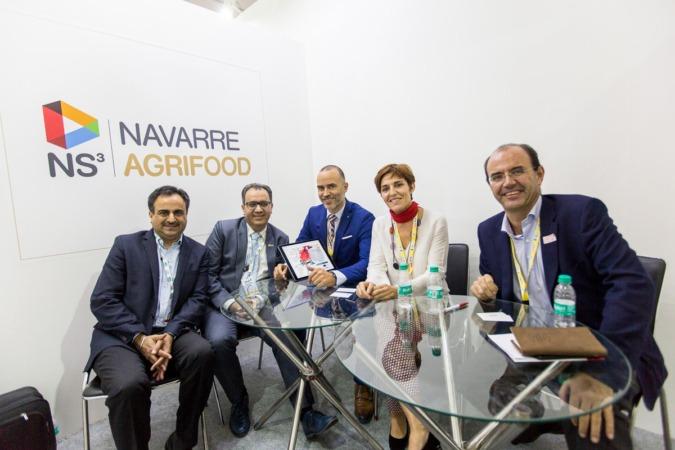 Jaspal Sabharwal y Rakesh Banga de TagTaste; Héctor Barbarin, de CNTA; Miren Ausín, de Gobierno, y Juan Antonio Obregón, de ICEX.