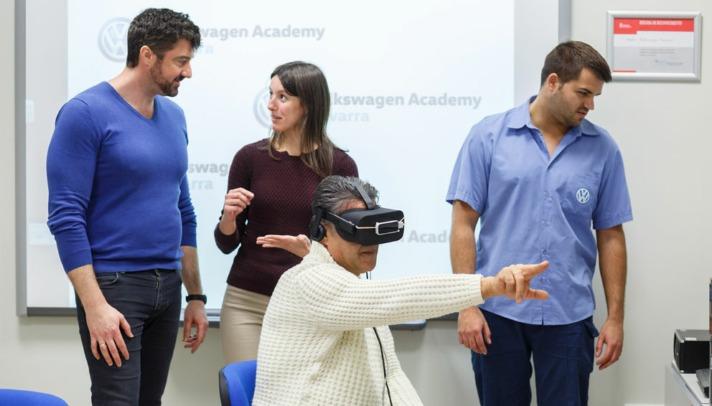 Gafas de realidad virtual desarrolladas por TedCas para la factoría de Landaben.
