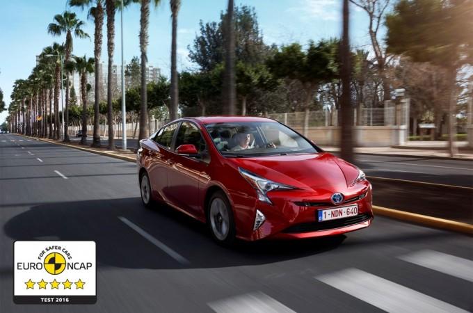 """El nuevo Toyota Prius se sitúa como el modelo """"más seguro"""" de su categoría"""