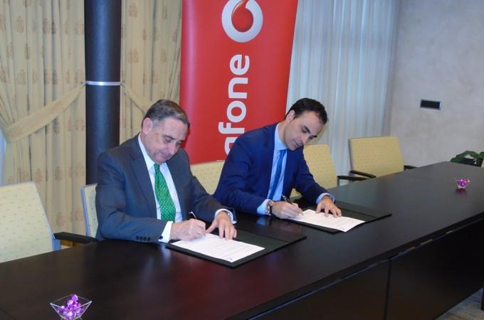 Vodafone y CEN renuevan acuerdo de colaboración