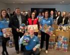 Empleados de Caixabank en Navarra donan 150 juguetes a niños de familias sin recursos
