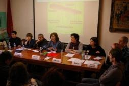 Mesa presidencial  del encuentro 'Emprender en el Pirineo, del dicho al hecho' celebrado en Burgui.