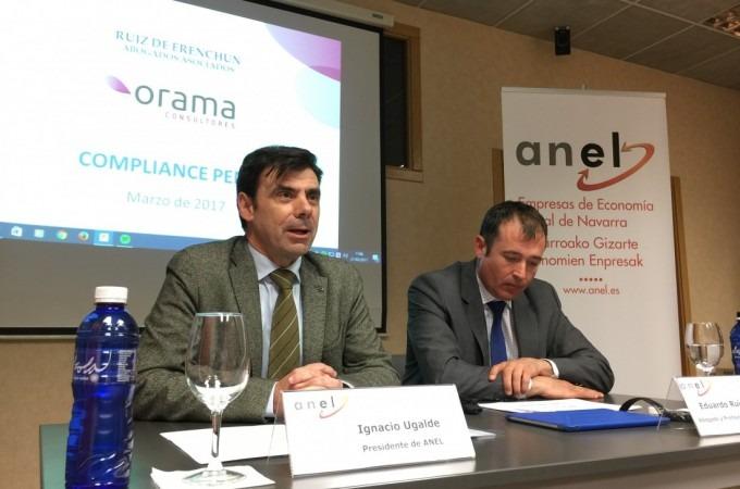 Ignacio Ugalde en una mesa de trabajo en ANEL formación