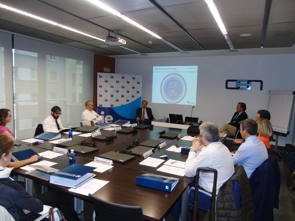 Sesión inaugural del AMP del IE Business School en Pamplona