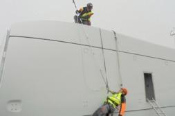 Imagen de un curso de formación para el rescate en altura de trabajadores.