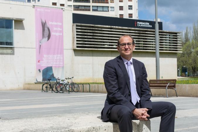 Javier Fernández Valdivielso, director de Fundación Caja Navarra. (FOTOS: VÍCTOR RODRIGO)
