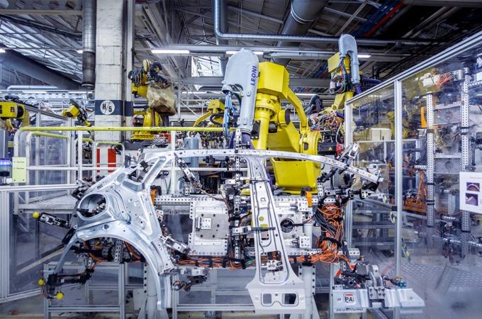 Cadena de montaje de VW Navarra, la mayor empresa de la Comunidad foral.