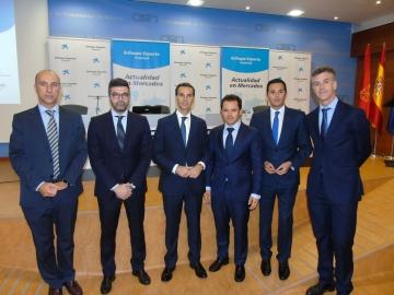 """Panel de Expertos participantes en el encuentro """"Enfoque Experto"""" celebrado por Caixabank en Pamplona"""