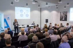 Imagen del último encuentro corporativo de Accionistas Caixabank en Pamplona.