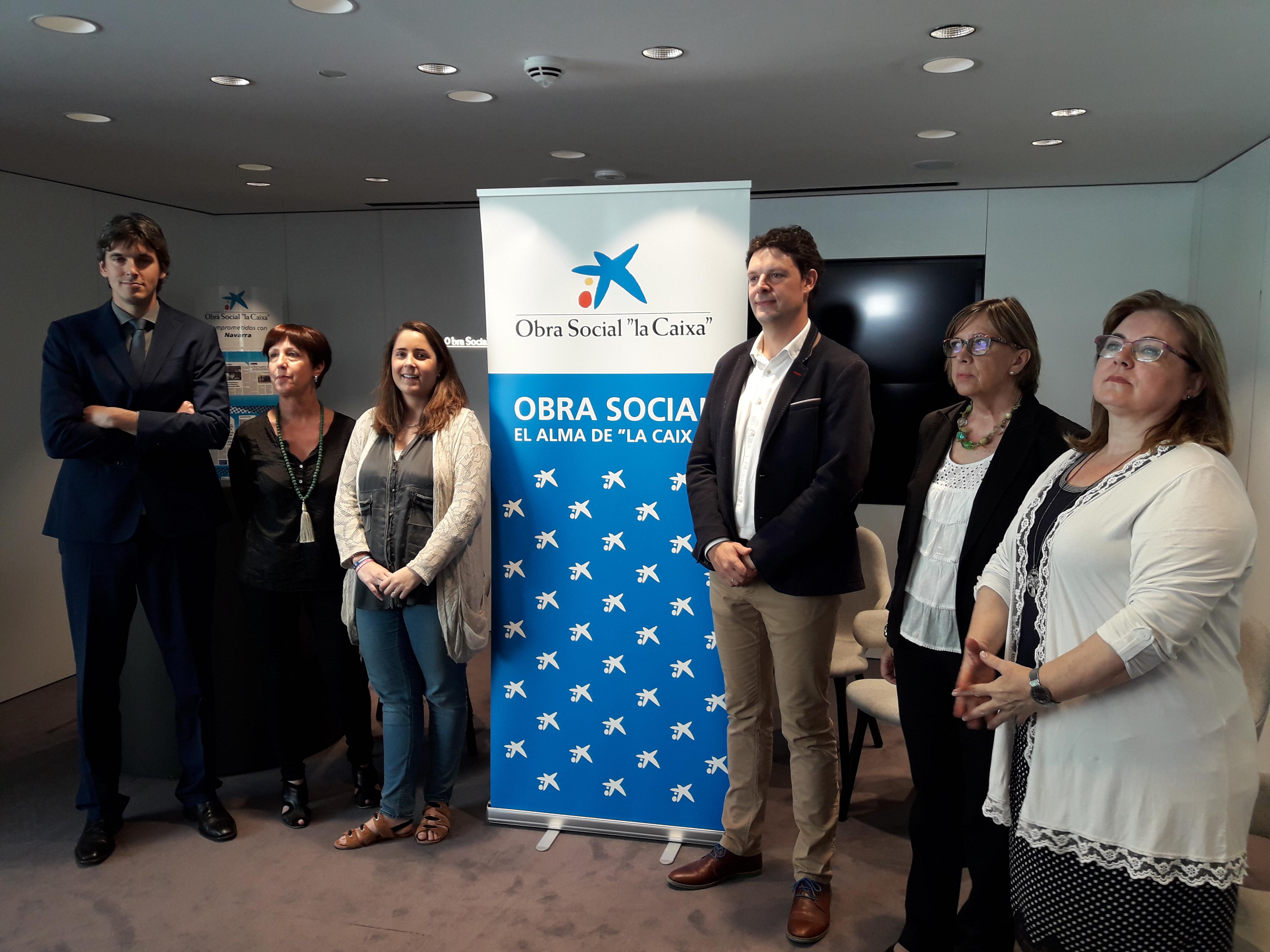 De I a D: Rubén Santamaría (Caixabank), Arantxa Garatea (Atena), Paula Rodríguez (ANA), Andrés Ilundáin (ADACEN), Inma Zabalza (Retina) y Cristina Jiménez (Profesionales Solidarios).