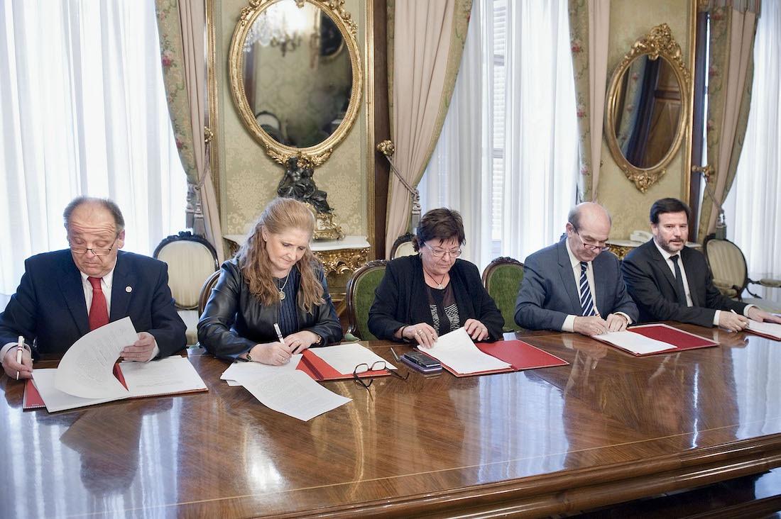 Luis Goñi, Blanca Ramos, la consejera Mª José Beaumont, Luis Miguel Arribas y Bernardo Lacarra.