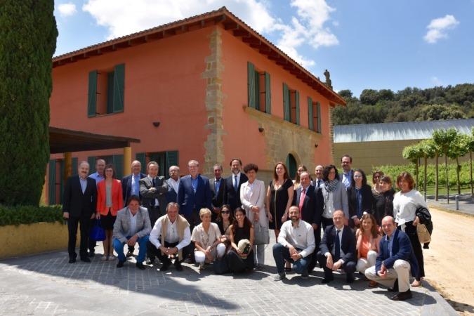 Imagen de los participantes en el 'Día del Auditor' celebrado en Bodegas Arínzano. Foto: Yosune Villanueva
