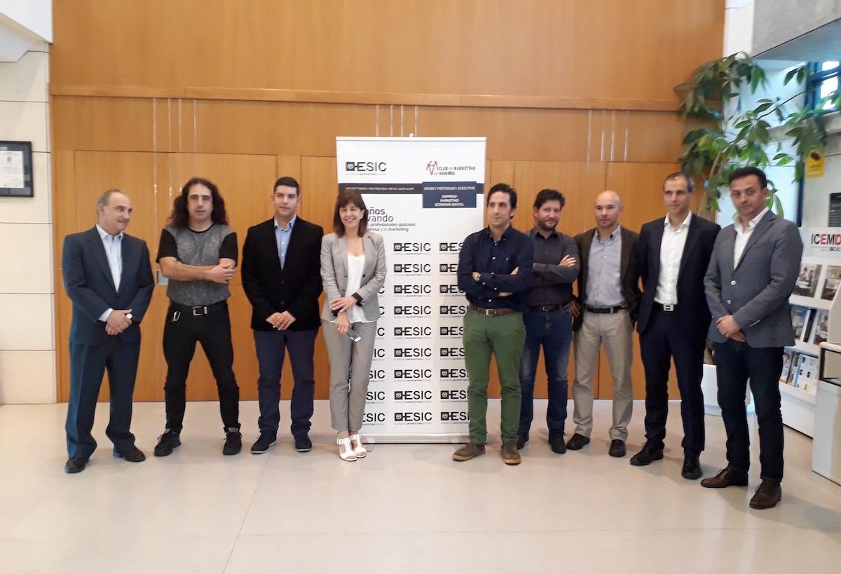 Vicente Arregui, Manuel Colino, Mario Martín-Arroyo, Ana Aracama, Joseba Carricas, Miguel Pueyo, Nacho Gallardo, Óscar Matellanes y Sergio Murcia.