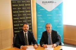 De I a D: Julio Martín, director corporativo de la Territorial Norte de Bankia y Pío Aguirre, director general de Elkargi