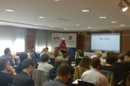 Imagen de los asistentes a la primera reunión de la 'Mesa de la Transformación Digital' de Fundación Industrial de Navarra