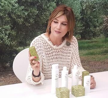 Laura Sandúa con línea cosmética