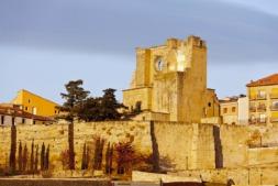 Viana_Murallas-Iglesia-de-San-Pedro_2042_Oriol-Conesa