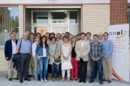 Foto de familia de los participantes hoy en ANEL en el encuentro celebrado con una Comisión del Parlamento de Navarra.