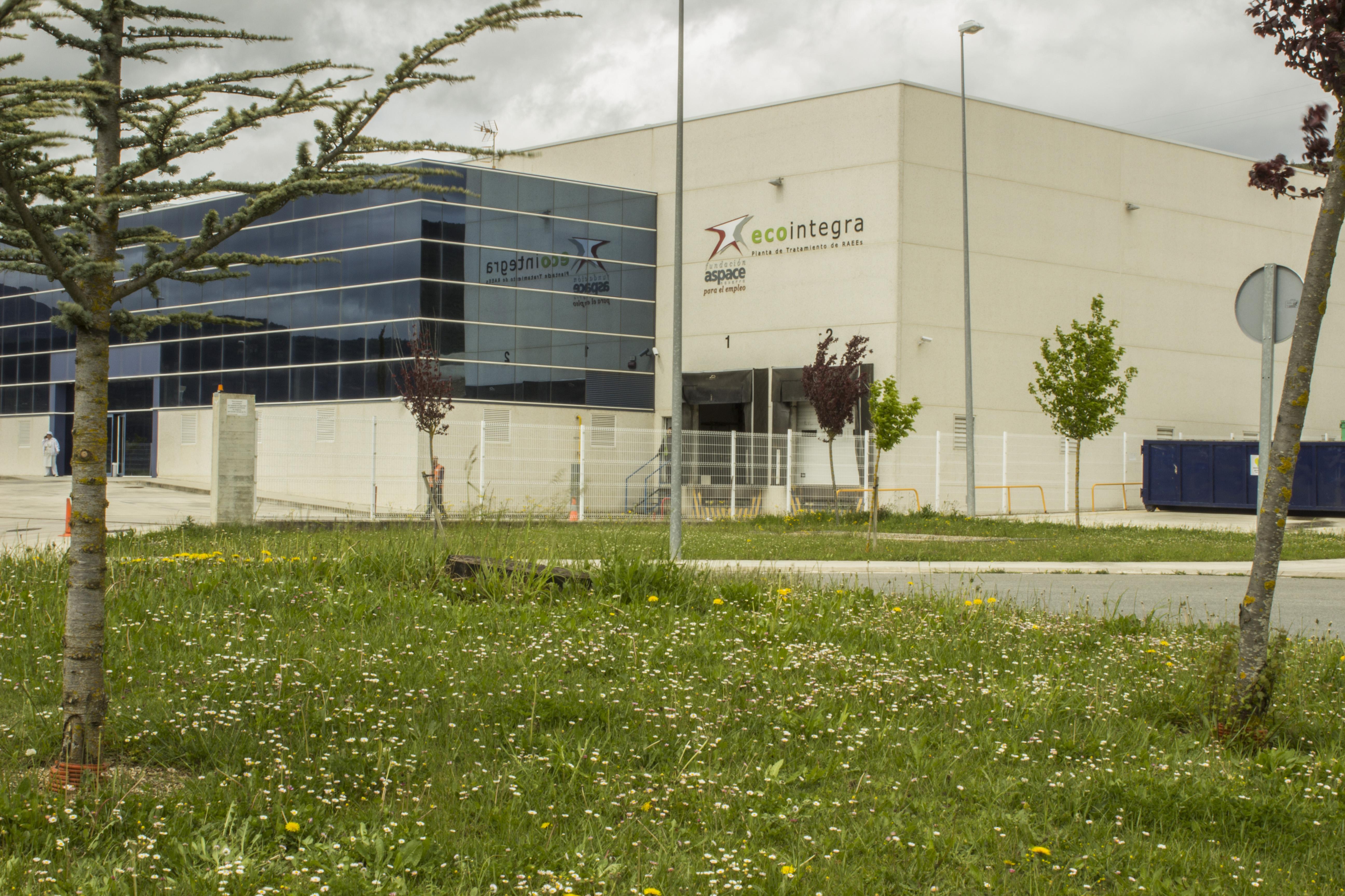 Imagen exterior de la factoría de Ecointegra en Aoiz.