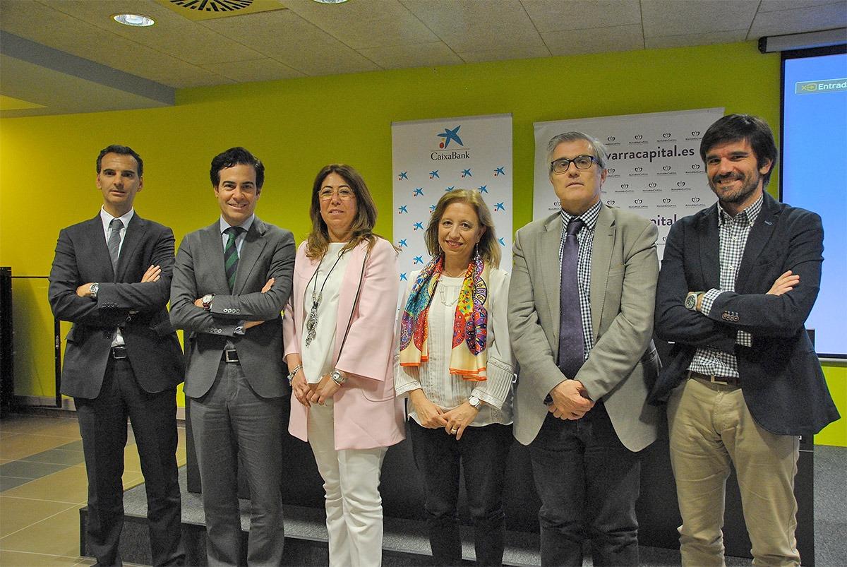 De I a D: José Luis Larriu (Caixabank); Pablo Zalba (ICO); Carmen Alba (delegada en Navarra); Marisa Poncela (Secretaria de Estado); Tito Navarro (navarracapital.es) y; Eneko Larrarte (alcalde Tudela).