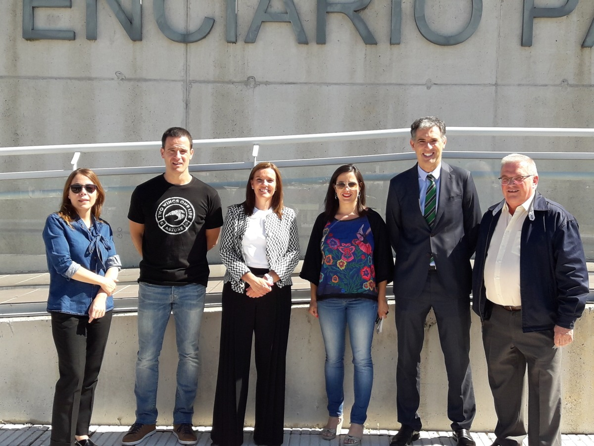 De izquierda a derecha, Izaskun Azcona, Abel Barriola, Ana Díez Fontana, Marta Miñana, Óscar Insausti y Miguel Pozueta.