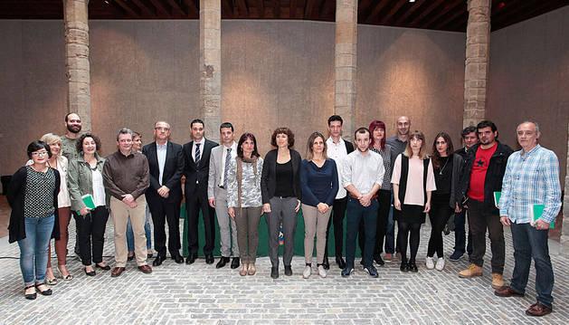 Imagen de los participantes en la última edición (2016) del programa 'Denda Naiz-Soy Comercio' (archivo)