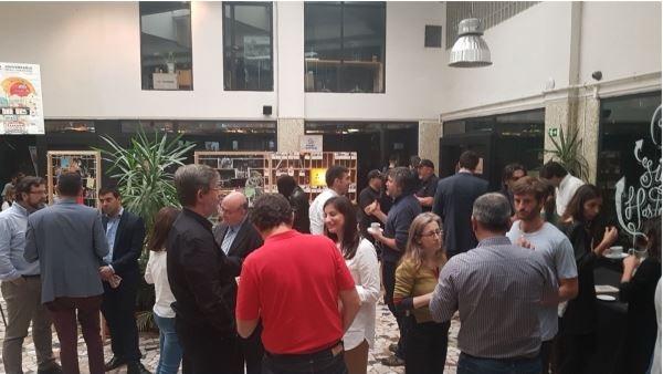 Momento de networking en uno de los últimos encuentros 'Momentum' promovidos desde BBVA.