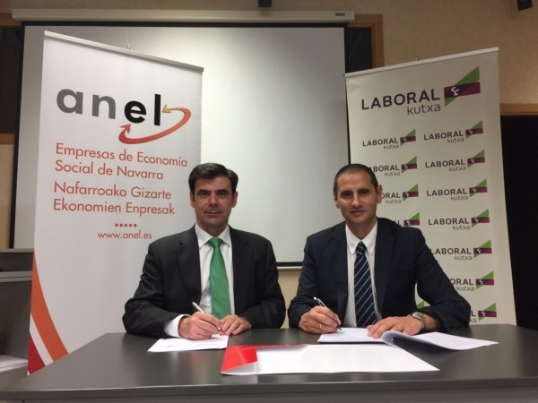 Ignacio Ugalde, presidente de ANEL, y Francisco Javier Cortajarena, director territorial de Caja Laboral Kutxa