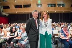 Agustín Markaide, presidente de EROSKI, junto a Leire Mugerza, presidenta del Consejo Rector antes de participar en la Asamblea General de la citada cooperativa.