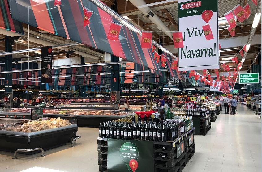 La campaña de EROSKI y 80 productores a los alimentos locales se ha iniciado en el hipermercado IRUÑA.