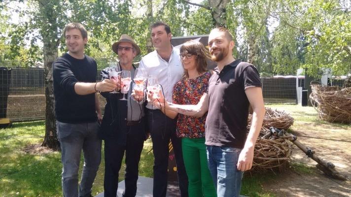 Brindis de presentación con Iñaki Andradas, Nicolás Alba, David Palacios, Maider Beloki y Axel O'Mill